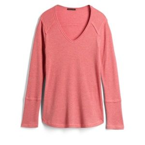 Staccato Sessie raw edge knit top
